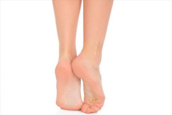 足が臭いのはなぜ??女性 足裏