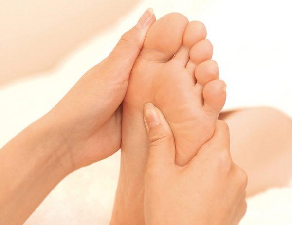 足が臭いのはなぜ??女性 内臓疾患