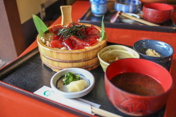 『手こね寿司』