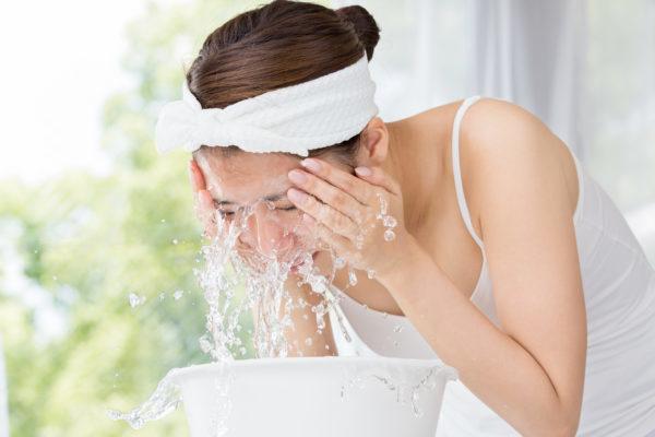洗顔 メイク落とし