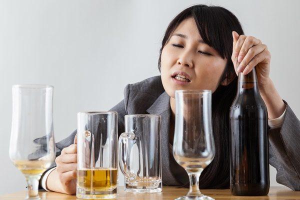 飲み過ぎ 女性