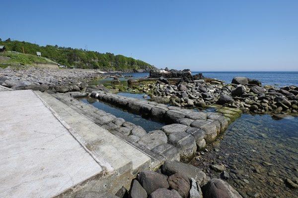 恵山の水無海浜温泉