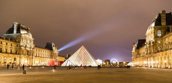 ルーヴル美術館とガラスのピラミッド