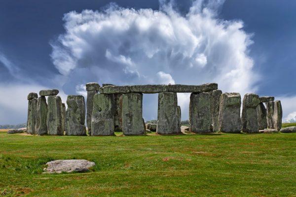 世界遺産登録されたストーンヘンジ遺跡