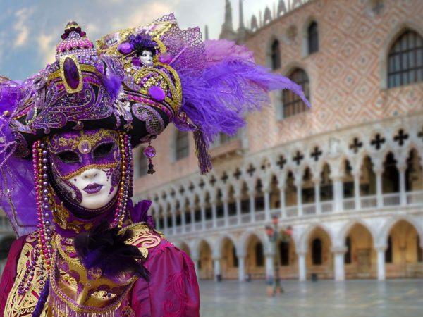 世界三大カーニバルのひとつ、ヴェネチア仮面祭