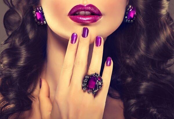 指輪のつけ方を知っておしゃれ上手に。指輪をつけるポイントや重ねづけのコツを徹底解説!
