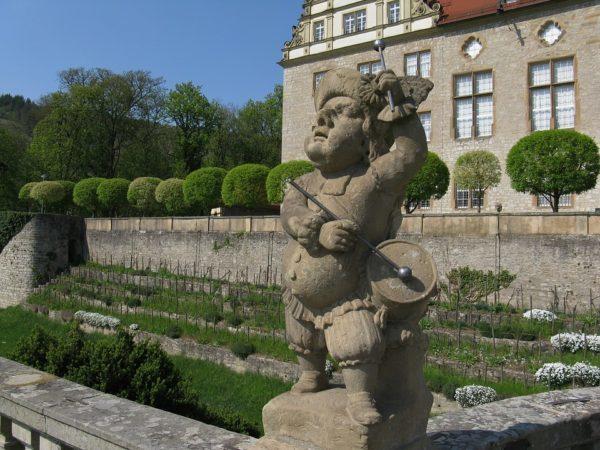 ヴァイカースハイム城の前庭
