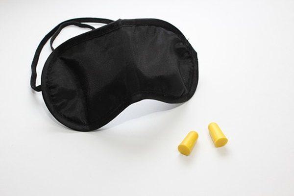 アイマスクや耳栓